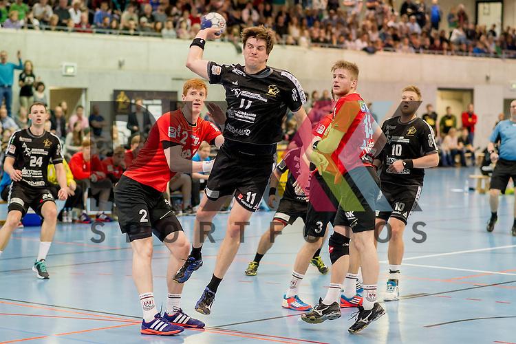v.l. Tomasz Gebala (2, SC Magdeburg II), Rico Goede (11, HC Elbflorenz 2006), am Ball Maciej Gebala (14, SC Magdeburg II), Tjark Desler (10, HC Elbflorenz 2006), im Spiel HC Elbflorenz - SC Magdeburg II.<br /> <br /> Foto &copy; P-I-X.org *** Foto ist honorarpflichtig! *** Auf Anfrage in hoeherer Qualitaet/Aufloesung. Belegexemplar erbeten. Veroeffentlichung ausschliesslich fuer journalistisch-publizistische Zwecke. For editorial use only.