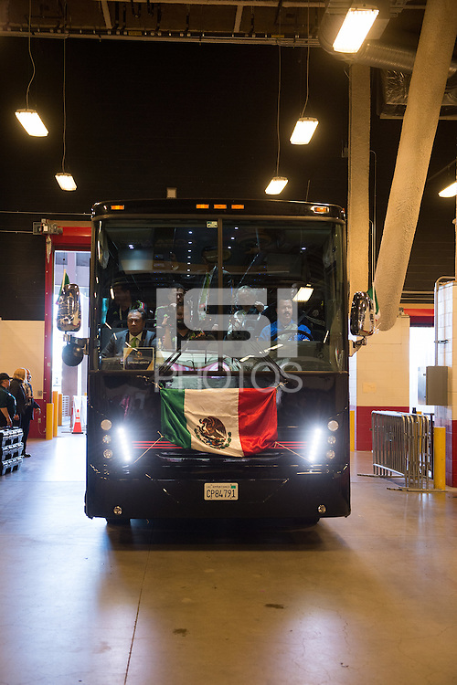Photo before the match Mexico vs Chile, Corresponding to the quarterfinals of the America Cup Centenary 2016 at Levis Stadium.<br /> <br /> Foto previo al partido Mexico vs Chile, Correspondiente a los Cuartos de Final de la Copa America Centenario 2016, en el Estadio Levis, en la foto: Llegada de Mexico<br /> <br /> <br /> 18/06/2016/MEXSPORT/Jorge Martinez.