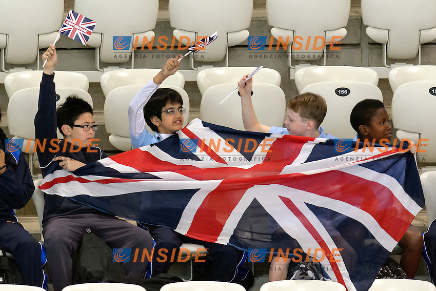 CHILDREN with Great Britain flags <br /> <br /> London, Queen Elizabeth II Olympic Park Pool <br /> LEN 2016 European Aquatics Elite Championships <br /> Swimming<br /> Day 10 18-05-2016<br /> Photo Andrea Staccioli/Deepbluemedia/Insidefoto