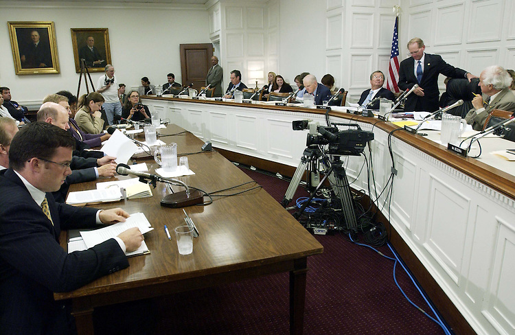 "06/14/05.SOCIAL SECURITY HEARING--Chairman Jim McCrery, R-La., far right, takes his seat for the House Ways and Means Subcommittee on Social Security hearing, ""Population longevity and ways to encourage older people to work."" .CONGRESSIONAL QUARTERLY PHOTO BY SCOTT J. FERRELL"