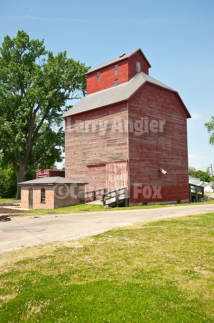 J.H. Hawes Grain Elevator Museum, built 1904 and only fully-restored wooden grain elevator in state of Illinois.