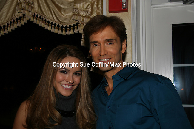 Chrishell Stause & John Basedow at a benefit for American Lung Association on December 6, 2009 at Mezza on the Green at the Lawrence Country Club. (Photos by Sue Coflin/Max Photos)