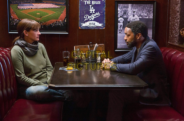 Secret in Their Eyes (2015) <br /> Julia Roberts, Chiwetel Ejiofor<br /> *Filmstill - Editorial Use Only*<br /> CAP/FB<br /> Image supplied by Capital Pictures
