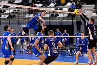 GRONINGEN - Volleybal, Lycurgus - Vocasa, Eredivisie, seizoen 2019-2020, 08-02-2020,  harde smash langs het blok van Lycurgus speler Collin Mahan