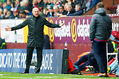 10th September 2017, Turf Moor, Burnley, England; EPL Premier League football, Burnley versus Crystal Palace; Burnley Manager Sean Dyche gestures to Crystal Palace Manager Frank de Boer about action on the pitch