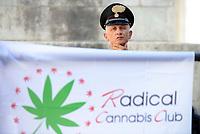 Corso per autocoltivazione Cannabis a Montecitorio