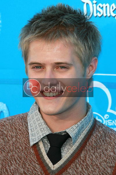 Lucas Grabeel<br />