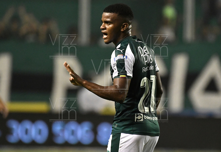 PALMIRA - COLOMBIA, 19-02-2019: Darwin Andrade del Cali reacciona durante el partido por la fecha 5 de la Liga Águila I 2019 entre Deportivo Cali y Union Magdalena jugado en el estadio Deportivo Cali de la ciudad de Palmira. / Darwin Andrade of Cali reacts during the Final second leg match between Deportivo Cali and Union Magdalena as parto of Aguila League I 2019 played at Deportivo Cali stadium in Palmira city.  Photo: VizzorImage / Gabriel Aponte / Staff