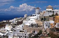 Blick auf Oia, Insel Santorin (Santorini), Griechenland, Europa