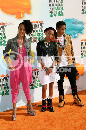 Jada Pinkett Smith, Willow Smith and Jaden Smith at Nickelodeon's 25th Annual Kids' Choice Awards at The Galen Center on March 31, 2012 in Los Angeles, California. &copy; mpi26/MediaPunch Inc. /NortePhoto.com)<br /> **SOLO*VENTA*EN*MEXiCO**