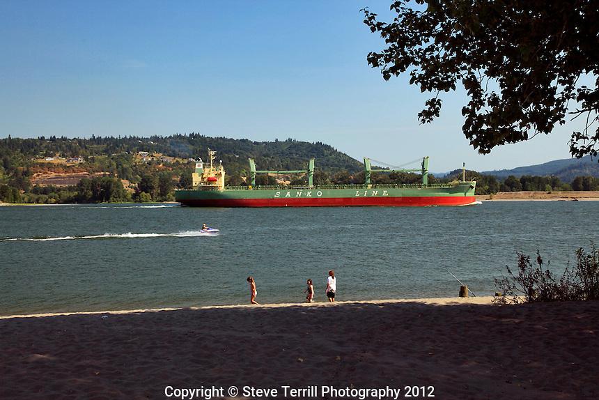 Ship heading to Port of Portland Oregon