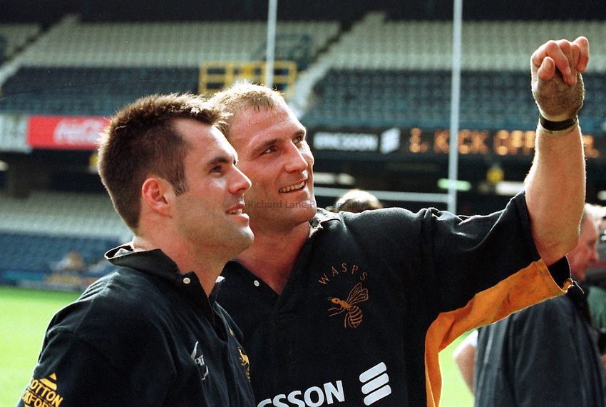 Photo. Richard Lane. .Wasps v Gloucester. 28/3/99..Kenny Logan and Lawrence Dallaglio wave to the crowd as they celebrate getting to the cup final.