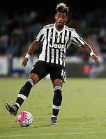 Calcio, Serie A: Napoli vs Juventus. Napoli, stadio San Paolo, 26 settembre 2015. <br /> Juventus' Mario Lemina in action during the Italian Serie A football match between Napoli and Juventus at Naple's San Paolo stadium, 26 September 2015.<br /> UPDATE IMAGES PRESS/Isabella Bonotto<br /> <br /> *** ITALY AND GERMANY OUT ***