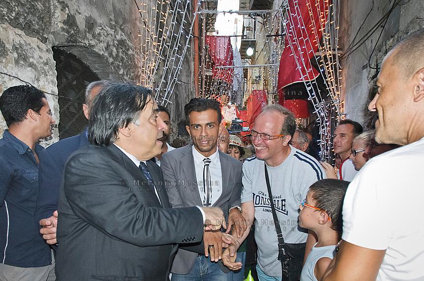 Palermo, festino di Santa Rosalia, il sindaco Orlando incontra la folla.<br /> The mayor of Palermo Leoluca Orlando meets the crowd during the feast of Saint Rosalia