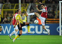 FUSSBALL   CHAMPIONS LEAGUE   SAISON 2011/2012  Borussia Dortmund - Arsenal London        13.09.2001 Mario GOETZE (li, Dortmund) gegen Yossi BENAYOUN (re, Arsenal)