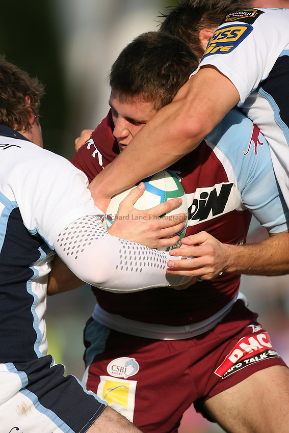 Photo: Iconsport/Sportsbeat Images..Bourgoin v Cardiff Blues. Heineken Cup. 21/10/2006..Tackle.
