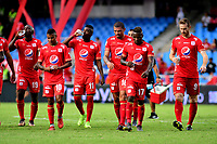CALI - COLOMBIA, 12- 05-2019: Jugadores de América de Cali al final del primer tiempo durante partido entre América de Cali y Millonarios, de la fecha 1 de los cuadrangulares semifinales por la Liga Águila I 2019 jugado en el estadio Pascual Guerrero de la ciudad de Cali. / Players of America de Cali at the end of the first time  during a match between America de Cali and Millonarios, of the 1st date of the semifinals quarters for the Aguila Leguaje I 2019 at the Pascual Guerrero stadium in Cali city. Photo: VizzorImage / Nelson Ríos / Cont.