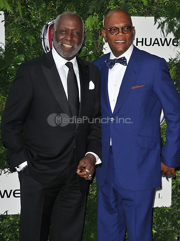 Richard Roundtree &amp; Samuel L Jackson at the One For The Boys Charity Ball in aid of the One For The Boys charity, Victoria &amp; Albert Museum, Cromwell Road, London, England, UK, on Sunday 12 June 2016.<br /> CAP/CAN<br /> &copy;CAN/Capital Pictures /MediaPunch ***NORTH AND SOUTH AMERICAS ONLY***