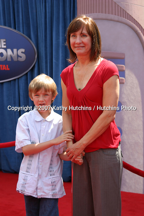 """Laurie Metcalf & son Will Theron Metcalf Roth.""""Meet the Robinson's"""" World Premiere.El Capitan Theater.Los Angeles, CA.March 25, 2007.©2007 Kathy Hutchins / Hutchins Photo."""