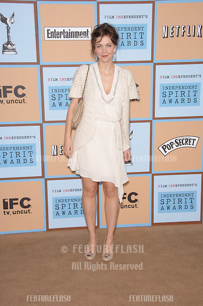 MAGGIE GYLLENHAAL at Film Independent's 2006 Independent Spirit Awards on the beach in Santa Monica..March 4, 2006  Santa Monica, CA.© 2006 Paul Smith / Featureflash
