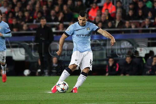 18.03.2015.  Nou Camp, Barcelona, Spain.  Champions League Football. Barcelona versus Manchester City. Agüero in action with a shot during the match