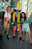 Bennett Cousins, Alicia Arden and cosplayer<br />