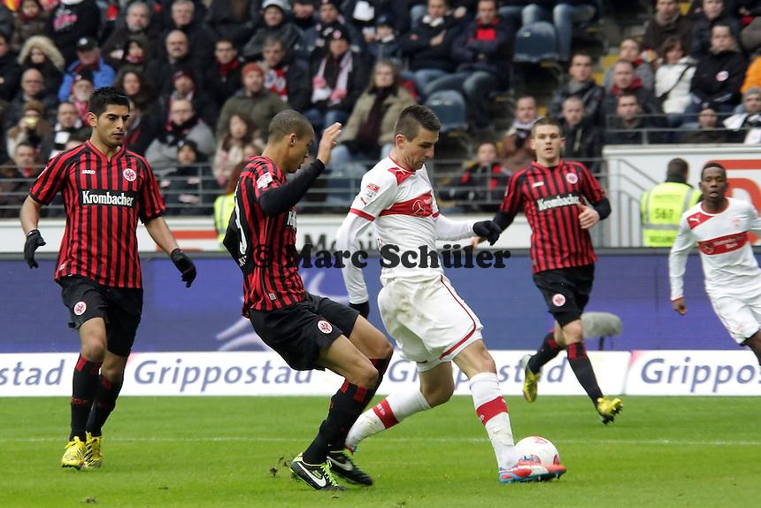 Vedad Ibisevic (VfB) gegen Bamba Anderson (Eintracht)