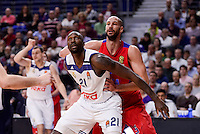 Real Madrid's Othello Hunter and CSKA Moscow James Augustine during Turkish Airlines Euroleague match between Real Madrid and CSKA Moscow at Wizink Center in Madrid, Spain. January 06, 2017. (ALTERPHOTOS/BorjaB.Hojas)