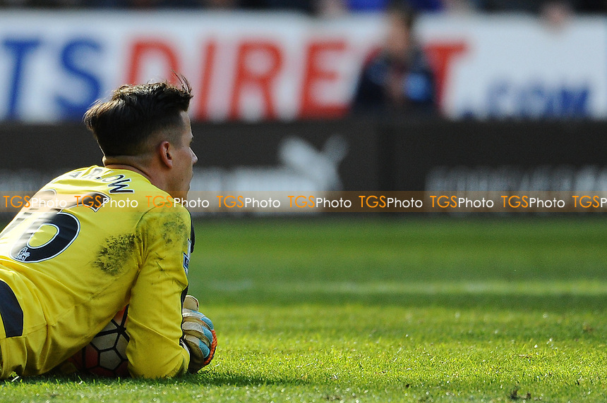 Karl Darlow of Newcastle United during Newcastle United vs Crystal Palace, Barclays Premier League Football at St. James' Park on 30th April 2016