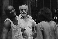 Roma, Teato Argentina, 28/06/2016. Il Regista Riccardo Vannuccini ed uno degli attori durante un momento di pausa durante le prove dello spettacolo Respiro.