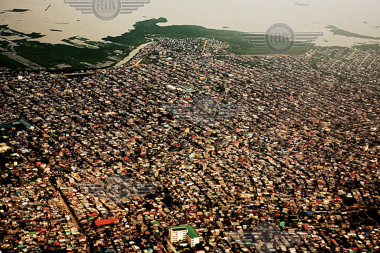 A view over the overcrowded city of Manila. With 11 million inhabitants, the city is one of the world's largest and most densely populated cities.