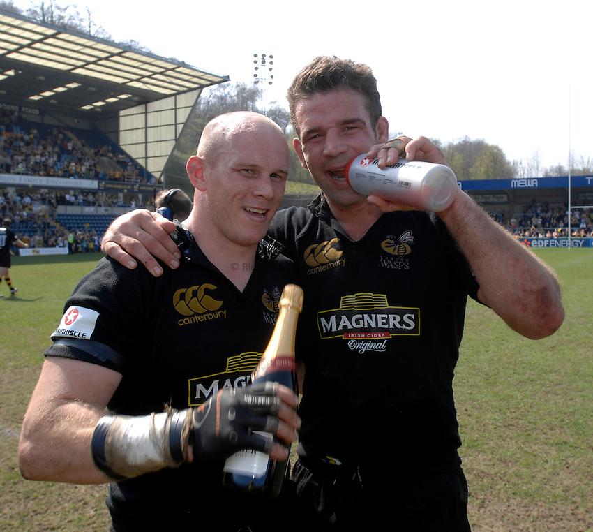 Photo: Richard Lane..London Wasps v Northampton Saints. Guinness Premiership. 15/04/2007. .Wasps' Jonny O'Connor and Joe Worsley (rt).