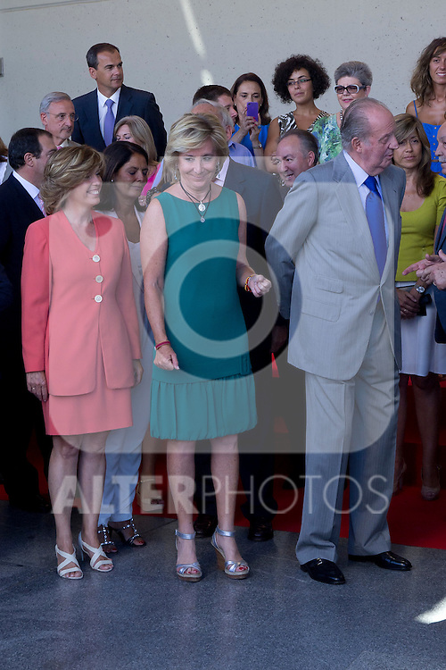 23.08.2012. King Juan Carlos of Spain visits the 112 Emergency Center of the Community of Madrid in Pozuelo de Alarcon, in the company of the president of the Community of Madrid Esperanza Aguirre and Interior Minister Jorge Fernandez Diaz. In the image Esperanza Aguirre and King Juan Carlos of Spain (Alterphotos/Marta Gonzalez)