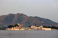 Indien, Udaipur, Insel Jagmandir im Lake Pichola