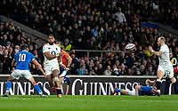 Joe Cokanasiga of England passes to Dan Robson of England to score his try during the Guinness Six Nations match between England and Italy at Twickenham Stadium on March 9th, 2019 in London, United Kingdom. Photo by Liam McAvoy.