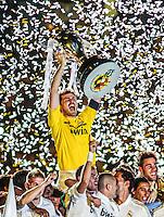 MADRI, ESPANHA, 13 DE MAIO 2012 - CAMPEONATO ESPANHOL - RODADA 38 - REAL MADRID X MALLORCA -  Iker Casillas goleiro e capitao do Real Madrid celebra a conquista do Campeonato Espanho apos enfrentar o Mallorca em partida valida pela ultima rodada do Campeonato Espanhol, no Estadio Santiago Bernabeu em Madri capital da Espanha, neste domingo dia 13. (FOTO: WILLIAM VOLCOV / BRAZIL PHOTO PRESS).