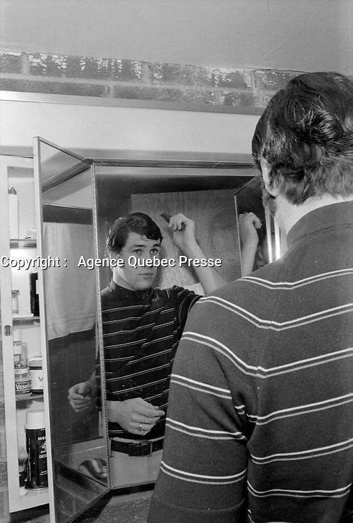 Le hockeyeur Dave Shultz<br /> , le 18 mars 1971<br /> <br /> Photographe : Photo Moderne<br /> <br /> - Agence Quebec Presse