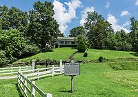Bon Aqua Springs, Bon Aqua, Tennessee, USA.