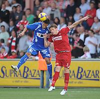 KV Kortrijk - AA Gent.kopduel tussen Zlatan Ljubijankic (links) en David Vandenbroeck (rechts).foto VDB / BART VANDENBROUCKE