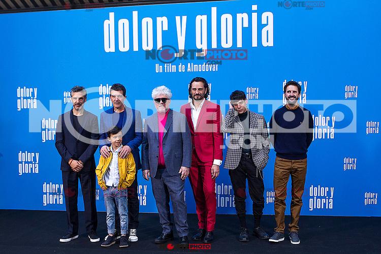 (L-R) Leonardo Sbaraglia, Antonio Banderas,  Asier Flores, Pedro Almodovar, Asier Etxeandia and Raúl Arévalo attend the photocall of the movie 'Dolor y gloria' in Villa Magna Hotel, Madrid 12th March 2019. (ALTERPHOTOS/Alconada) /NortePhoto.con NORTEPHOTOMEXICO