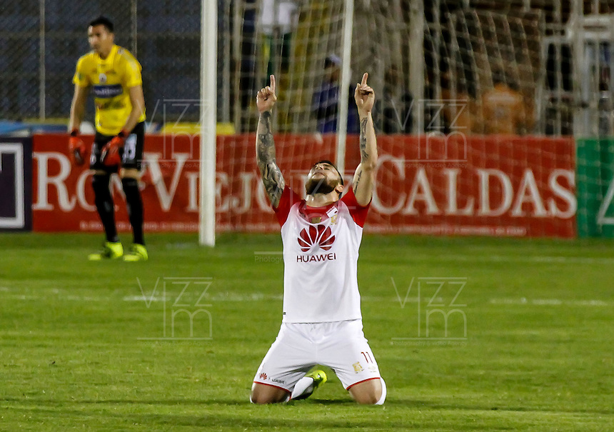 PASTO -COLOMBIA, 18-09-2016.Jonathan Gómez jugador de Independiente Santa Fe celebra su gol contra Pasto durante encuentro  por la fecha 13 de la Liga Aguila II 2016 disputado en el estadio La Libertad./ Jonathan Gomez player of Santa Fe celebrates his goal agaisnt Pasto  during match for the date 13 of the Aguila League II 2016 played at La Libertad  stadium . Photo:VizzorImage / Leonardo Castro  / Contribuidor
