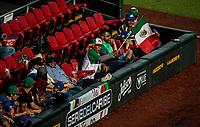 Bombero, bombardero, aficionado con manera de Mexico.<br /> .<br /> Partido de beisbol de la Serie del Caribe con el encuentro entre Caribes de Anzo&aacute;tegui de Venezuela  contra los Criollos de Caguas de Puerto Rico en estadio Panamericano en Guadalajara, M&eacute;xico,  s&aacute;bado 5 feb 2018. <br /> (Foto: Luis Gutierrez)<br /> <br /> Baseball game of the Caribbean Series with the match between Caribes de Anzo&aacute;tegui of Venezuela against the Criollos de Caguas of Puerto Rico, at the Pan American Stadium in Guadalajara, Mexico, Saturday, February 5, 2018.<br /> (Photo: Luis Gutierrez)
