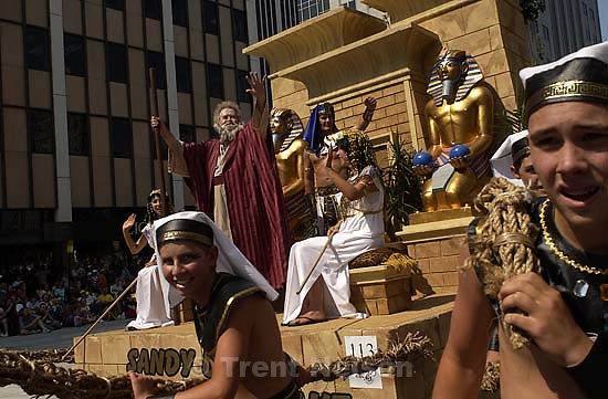 Moses and Pharoah. Days of '47 Parade. 07.24.2002, 11:01:58 AM<br />