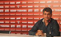 SAO PAULO, SP, 05.07.2013 - Ney Franco Coletiva - Ney Franco é anunciado pelo São Paulo FC que não é mais treinador da equipe no Centro de Treinamento da Barra Funda na região oeste de São Paulo, nesta sexta-feira, 05. (Foto: William Volcov / Brazil Photo Press).