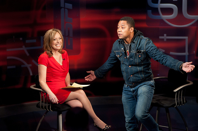 January  19, 2012 - Bristol, CT - Studio F:  SportsCenter with Anchor, Linda Cohn and Guest Cuba Gooding jr. . .Credit: Joe Faraoni