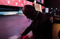 """Milano: Oscar Giannino durante l'Antimeeting, evento organizzato da """"Fare per Fermare il Declino"""", il movimento politico fondato da Oscar Giannino ed economisti."""