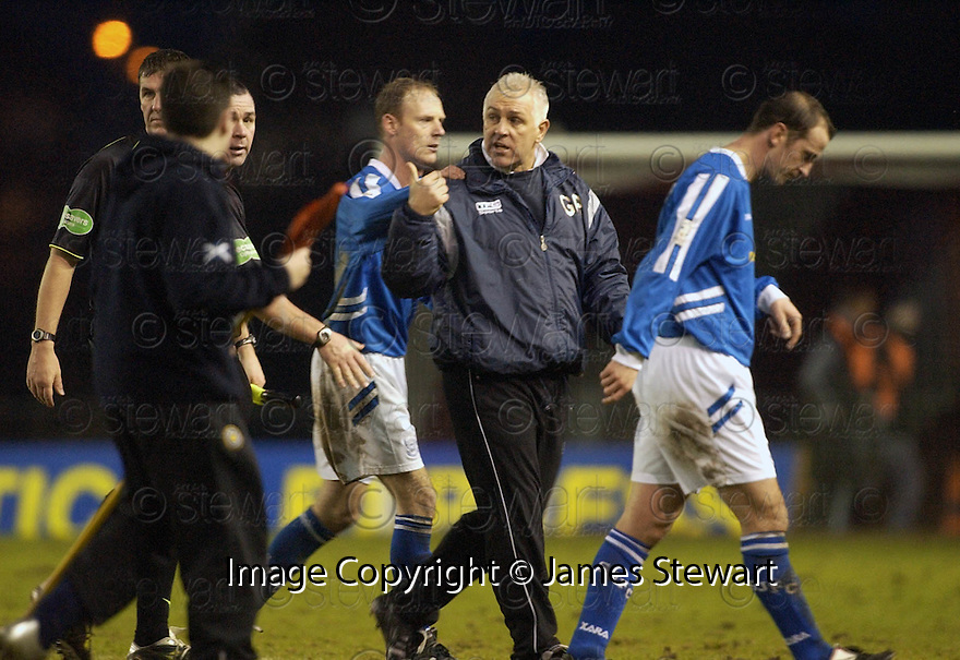 14/01/2006         Copyright Pic: James Stewart.File Name : sct_jspa13_clyde_v_stjohnstone.GRAHAM ROBERTS HAS A GO AT REFEREE BRIAN WINTER AT THE END OF THE GAME....Payments to :.James Stewart Photo Agency 19 Carronlea Drive, Falkirk. FK2 8DN      Vat Reg No. 607 6932 25.Office     : +44 (0)1324 570906     .Mobile   : +44 (0)7721 416997.Fax         : +44 (0)1324 570906.E-mail  :  jim@jspa.co.uk.If you require further information then contact Jim Stewart on any of the numbers above.........