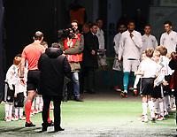 Deutsche Mannschaft kommt als Erstes zu den Einlaufkindern - 27.03.2018: Deutschland vs. Brasilien, Olympiastadion Berlin