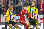 07.11.2018, Allianz Arena, Muenchen, GER, UEFA CL, FC Bayern Muenchen (GER) vs AEK Athen (GRC), Gruppe E, UEFA regulations prohibit any use of photographs as image sequences and/or quasi-video, im Bild Alef (AEK Athen #95) im kampf mit Robert Lewandowski (FCB #9) mit Uros Cosic (AEK Athen #15) <br /> <br /> Foto &copy; nordphoto / Straubmeier