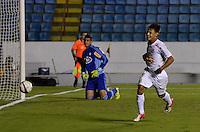 ATENÇÃO EDITOR: FOTO EMBARGADA PARA VEÍCULOS INTERNACIONAIS - BARUERI, SP, 22 DE JANEIRO DE 2013 - COPA SÃO PAULO DE FUTEBOL JUNIOR - PALMEIRAS x SANTOS: Neilton comemora gol durante partida Palmeiras x Santos, válida pela semifinal da Copa São Paulo de Futebol Junior, disputado na Arena Barueri. FOTO: LEVI BIANCO - BRAZIL PHOTO PRESS